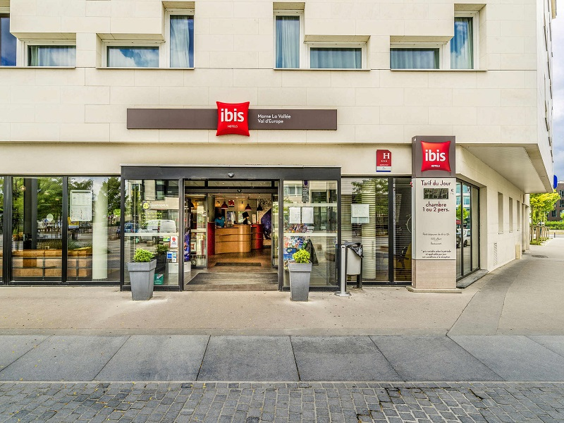 Charles de Gaulle to Hotel ibis Marne la Vallee Val d'Europe