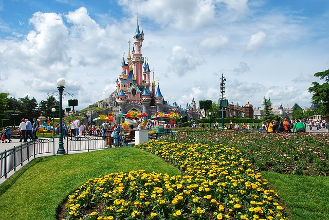 Charles de Gaulle to Disneyland Paris